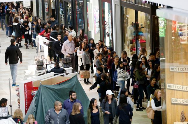 black-friday-shopping-america